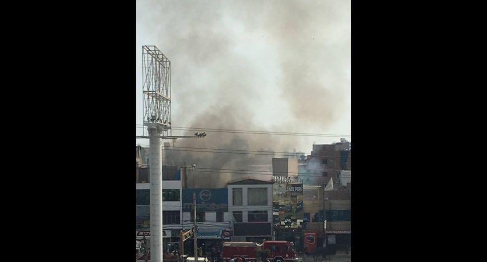 Incendio en Av. La Marina movilizó 15 unidades de bomberos - 7