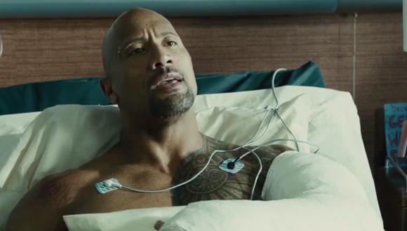 """""""Rápidos y furiosos"""": la vez que Dwayne Johnson se vio a sí mismo en TV en """"Furious 7"""" sin que nadie se diera cuenta (Foto: Universal Pictures)"""
