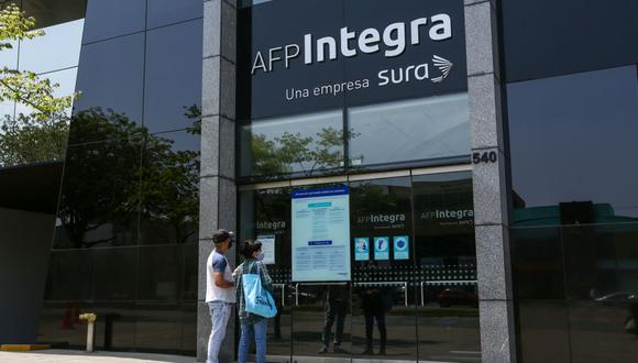 Este miércoles se promulgó la ley que autoriza el retiro de hasta 4 UIT (S/ 17,200) de los fondos de las AFP. (Foto: Fernando Sangama / GEC)