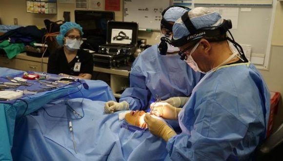 Varias clínicas alrededor del mundo dicen dicen que ven un aumento en el número de personas que se someten a cirugías estéticas. (Foto: Getty Images)