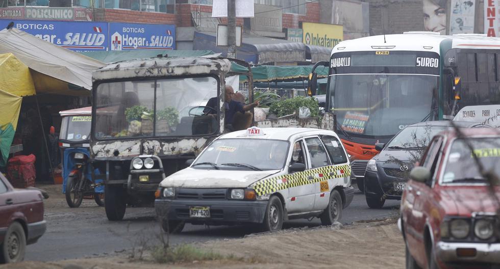 Solo 8 de cada 100 autos en el Perú desaprueba la inspección técnica. Eso explica por qué es posible hallar vehículos con certificados aprobados, pero que a la vez indican observaciones y fallas mecánicas (Foto: Hugo Pérez)