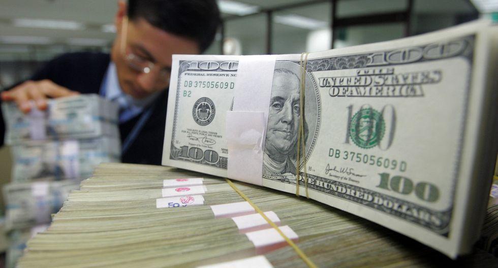 Los mercados locales continúan asimilando la renuncia esta semana de Carlos Urzúa como secretario de Hacienda, lo que podría exponer al dólar a una volatilidad. (Foto: Reuters)