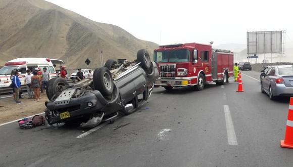 La imprudencia y el estado de ebriedad del conductor constituyen las primeras causas de accidentes viales en el país. (Foto referencial: GEC)