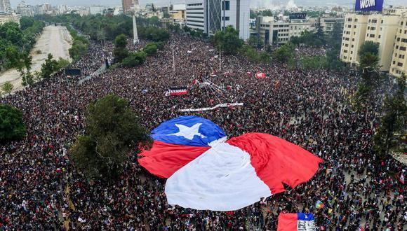 Las protestas contra el gobierno de Sebastián Piñera en Chile empezaron hace más de cuatro semanas. (Foto: AFP)
