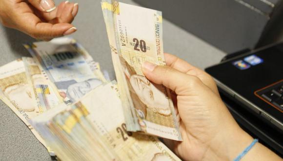 Se considerará como infracción muy grave bajar el sueldo de los trabajadores del régimen privado, según la propuesta de ley. (Foto: GEC)