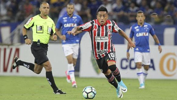 Sao Paulo no levanta cabeza. Perdió en el inicio del Brasileirao ante Cruzeiro. Christian Cueva solo jugó el primer tiempo. (Foto: Internet)