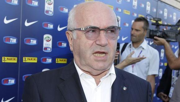 Jefe de fútbol italiano provoca escándalo con discriminaciones