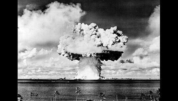 El lado más apocalíptico de la fisión nuclear fue puesto a prueba con la fabricación de la bomba atómica. En la imagen una prueba en la isla de Bikini en el Pacífico, en 1946.