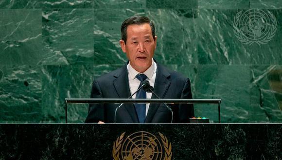 """""""Solo estamos construyendo nuestra defensa nacional para salvaguardar de manera confiable la seguridad y la paz del país"""", dijo el embajador norcoreano, Kim Song, en Nueva York. (Foto: Cia Pak / AP)"""