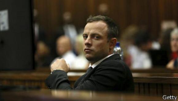 Ex novia de Oscar Pistorius declara en el juicio al atleta