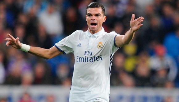 Pepe confirmó que no seguirá en el Real Madrid para la siguiente temporada. Además sorprendió al demostrar mayor simpatía por Rafa Benítez que por Zinedine Zidane. (Foto: Agencias)