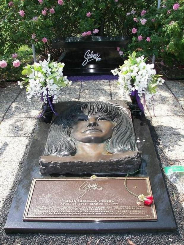 Selena Quintanilla's remains rest at the Seaside Memorial Park in Corpus Christi.  (Photo: Getty Images)