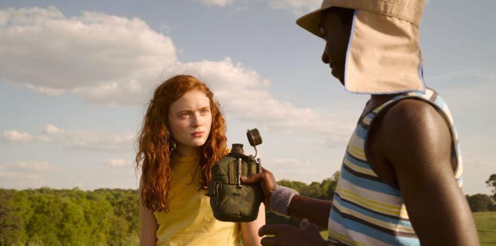 Una pareja de niños (Foto: Stranger Things / Netflix)