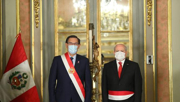 Presidente Martín Vizcarra tomó juramente este miércoles a su nuevo gabinete, presidido por Pedro Cateriano (Foto: Presidencia)