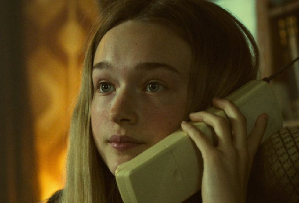 """India Fowler plays the younger version of Zoe Walker in """"White Lines"""" (Photo: Netflix)"""