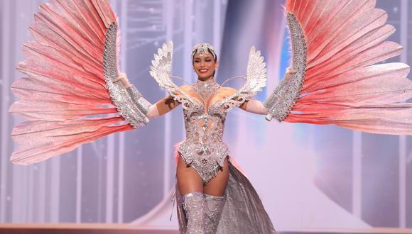 La modelo Janick Maceta aseguró que su traje típico fue un homenaje a Perú. (Foto: EFE/Benjamin Askinas/Miss Universe)
