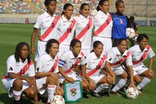 La selección peruana femenina quedó en el cuarto lugar en la clasificatoria al Mundial de 2003. (Foto: Consuelo Vargas / Archivo El Comercio)