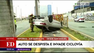 Vehículo se despista e invade ciclovía en San Miguel