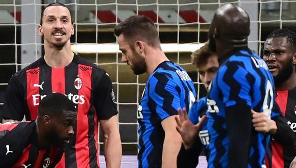 Ibrahimovic y Lukaku protagonizaron un tenso careo en el derbi de Milán. (Foto: AFP)