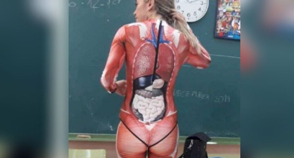 Esta no ha sido la primera vez que la maestra se disfraza para dictar clases. (Foto: Twitter)
