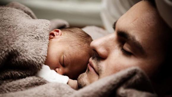 Licencia laboral de paternidad se elevaría de 4 a 15 días