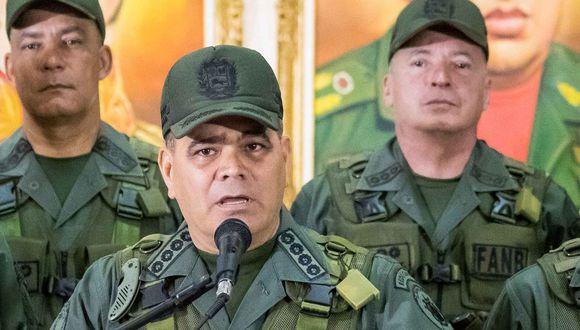 Nicolás Maduro y Juan Guaidó aseguran contar con apoyo militar. La gran pregunta es qué militar apoya a quién. En la imagen, Vladimir Padrino. (EFE).