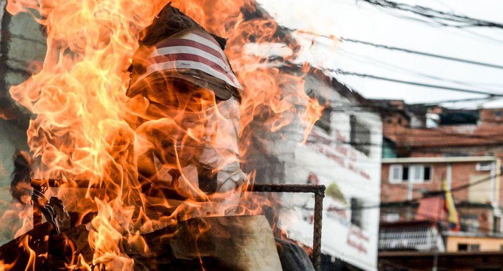 """""""Quema de Judas"""": Maduro y Capriles arden en Venezuela [FOTOS] - 8"""