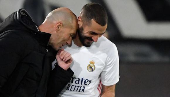 Karim Benzema tiene contrato con Real Madrid hasta mediados del 2022. (Foto: AFP)