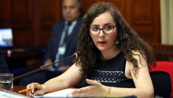 """""""El voto de conciencia se aplica en determinadas circunstancias que, personalmente, no creo que aplique en esta oportunidad"""", manifestó Rosa Bartra. (Foto: Congreso)"""