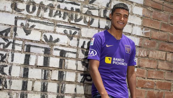 Kluiverth Aguilar fue el punto de una broma de su compañero en Alianza Lima, Joazinho Arroé. (Foto: GEC)