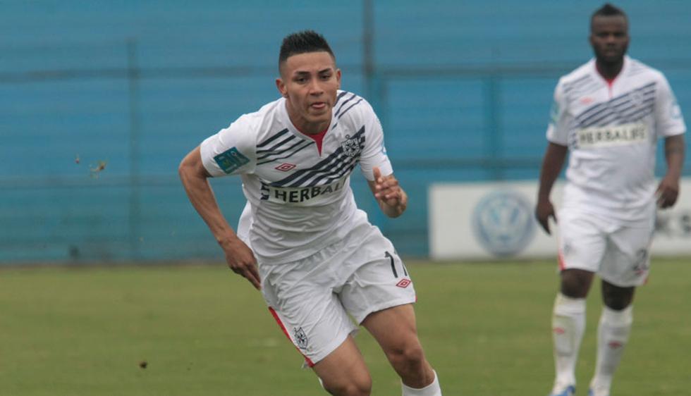 Buscando tener notoriedad en el fútbol peruano, Jean Deza fichó por San Martín en 2013 y solo permaneció medio año.