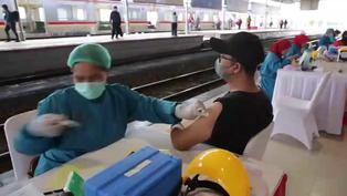 Indonesia continúa su campaña de vacunación contra el coronavirus