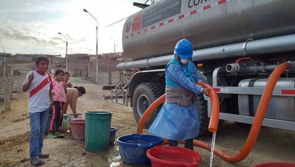 MVCS y Otass distribuyen agua potable gratuita a 750,000 habitantes de 10 regiones del país (Foto: MVCS)