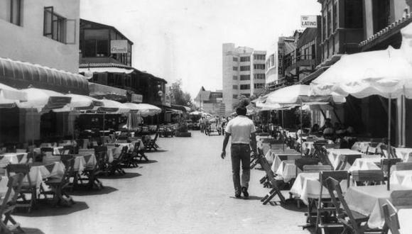 Lima, 11 de diciembre de 1989. Vista de la Calle de las Pizzas, Miraflores. (Foto: archivo El Comercio)