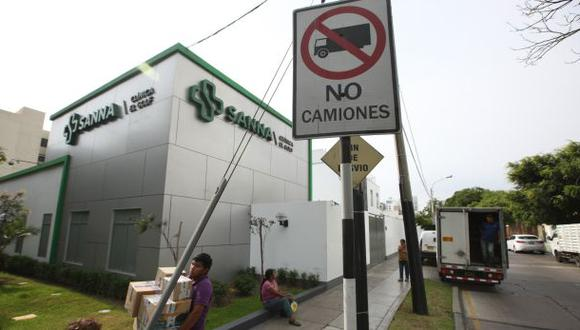 Vecinos de San Isidro se oponen a ampliación de clínica El Golf