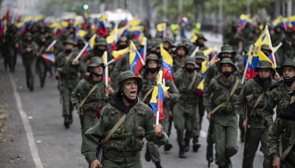 Unidades militares y de la Guardia Nacional Bolivariana de Venezuela participan en los ejercicios militares denominados Escudo Bolivariano Comandante Supremo Hugo Rafael Chávez Frías 2021, en Caracas el 5 de marzo de 2021. (Foto de Yuri CORTEZ / AFP).
