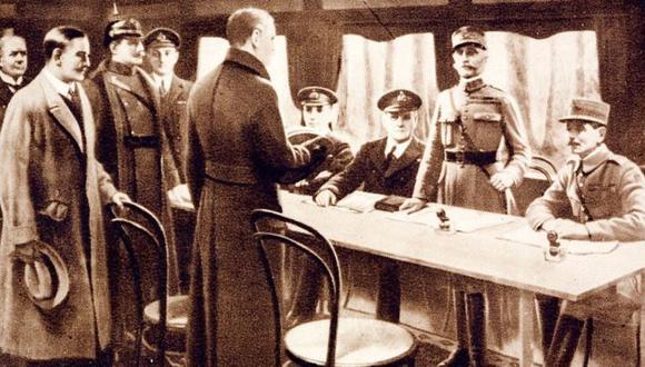 Firma del armisticio en un vagón de tren cerca de París. (Getty Images)