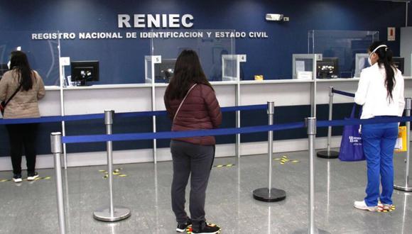 El Registro Nacional de Identificación y Estado Civil (Reniec) empezó a atender de forma presencial desde el pasado 20 de julio.