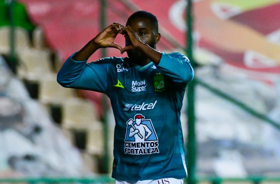 La celebración del gol de León en el 1-0 en el partido de la semifinal de la Liga MX | Foto: @clubleonfc