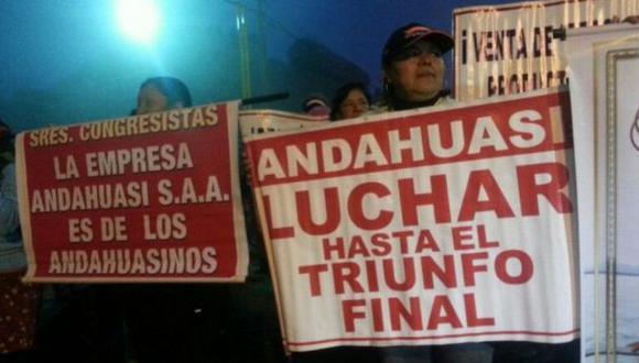 Trabajadores de Andahuasi atrincherados ante posible desalojo