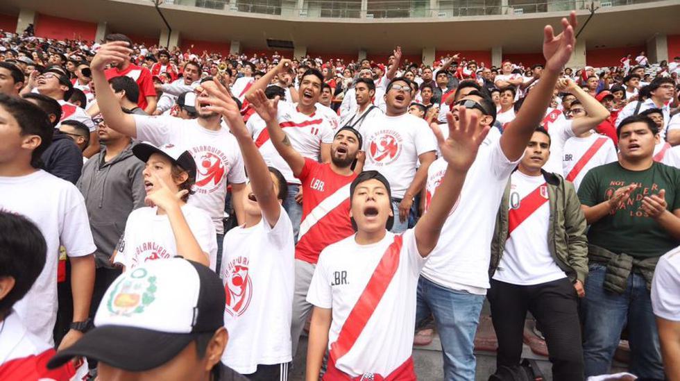 Miles de aficionados nacionales colmaron las cuatro tribunas del Estadio Nacional de Lima. (Foto: FPF)
