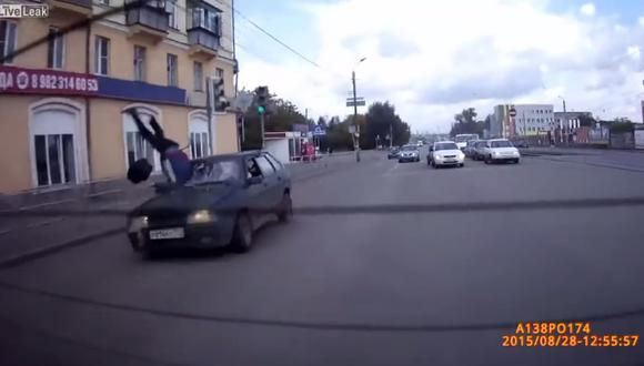 YouTube: Esto te puede pasar si cruzas mal en Rusia