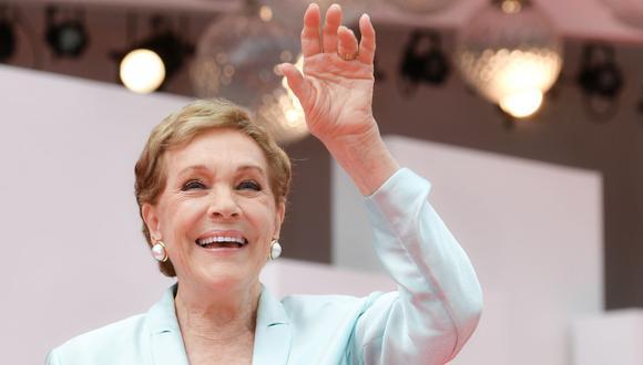 """Julie Andrews no es vista en pantalla, pero acompaña la historia de """"Bridgerton"""" con su voz (Foto: AFP)"""