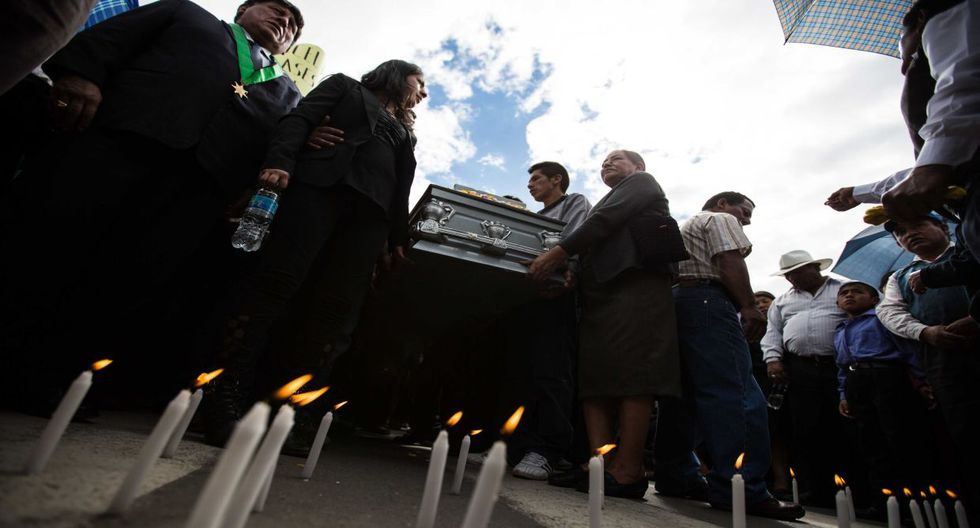 Cajamarca: protestas y dolor en cortejo fúnebre de Fidel Flores - 3