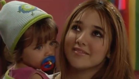 Azúl Guaita tenía dos años cuando interpretó a Juanita, la hija de Gaby en Clase 406 (Foto: Televisa)