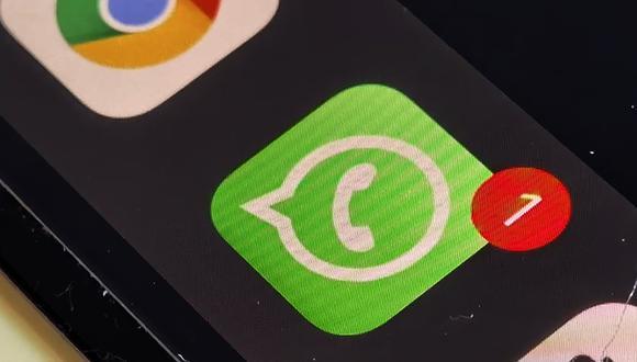 Conoce el verdadero truco para evitar que se muestre el contador de mensajes de WhatsApp. (Foto: MAG)