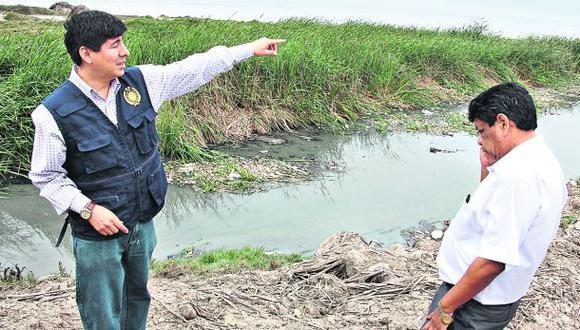 Inician investigación por contaminación en playas de Pimentel