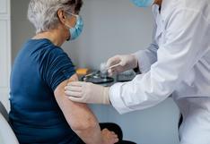 Adultos mayores: expertos opinan sobre su inclusión en la fase 1 del proceso de vacunación y cómo debería organizarse