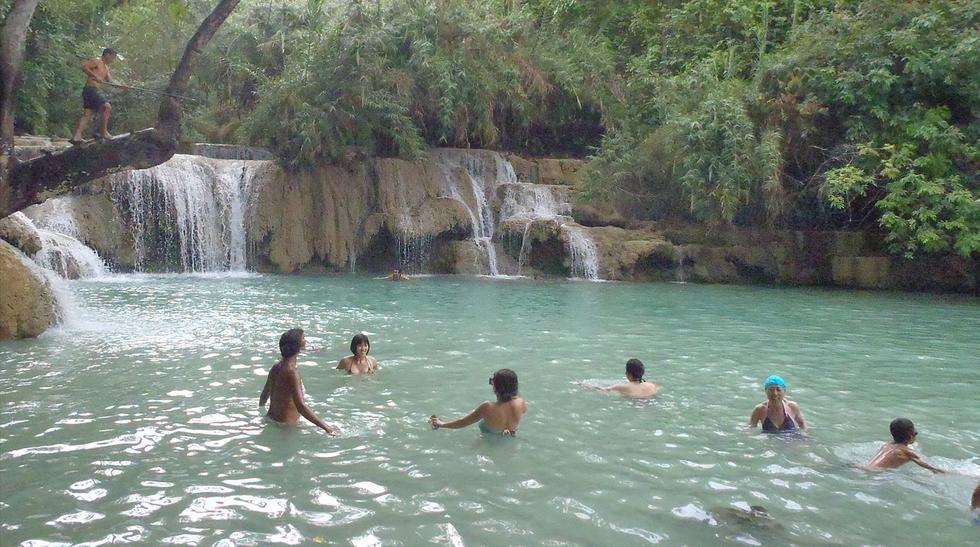 Agua que encanta: conoce la belleza de la cascada Kuang Si - 3