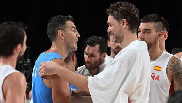 Luis Scola y Pau Gasol se enfrentaron en la fase de grupos de los Juegos Olímpicos Tokio 2020
